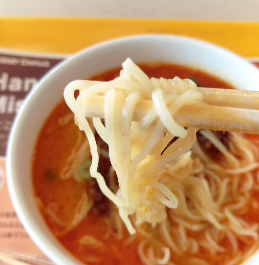 麺は細めの中華麺