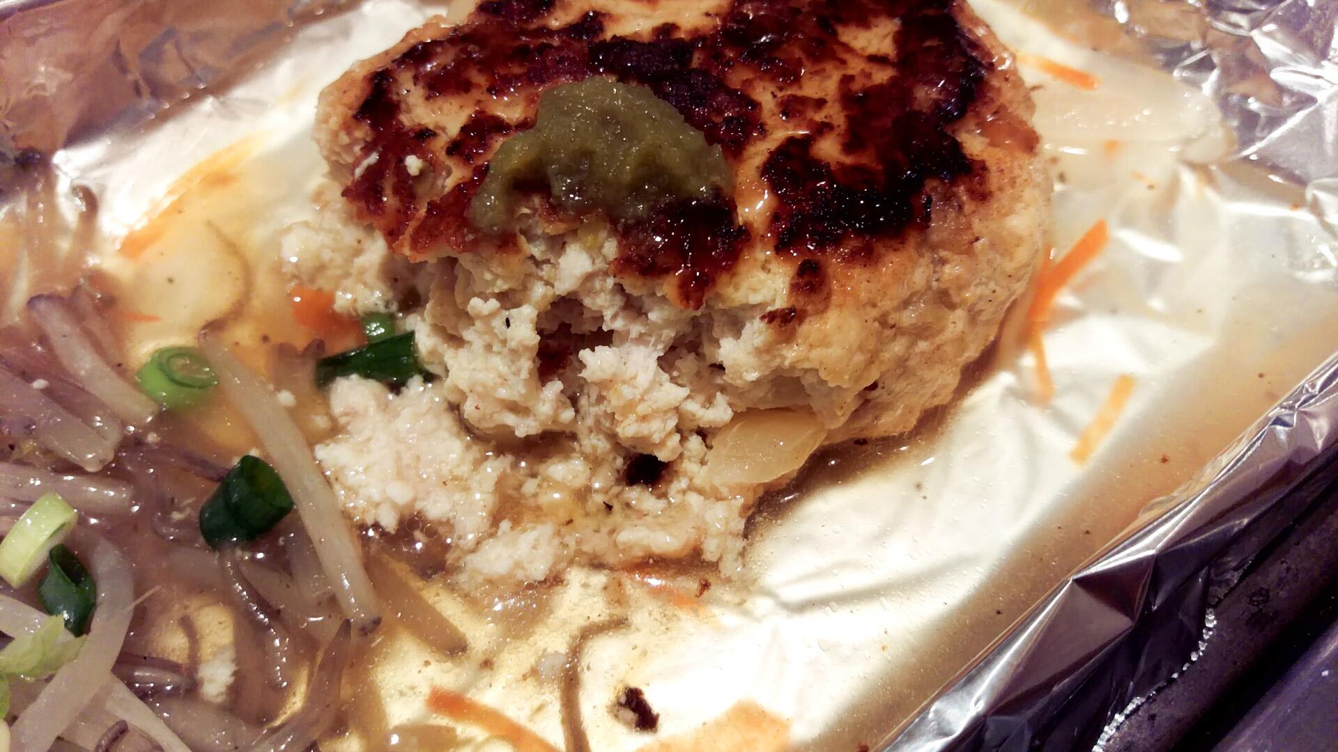玉ねぎの歯ざわり、鶏と豆腐が一体になった食感も良く…たまらない!