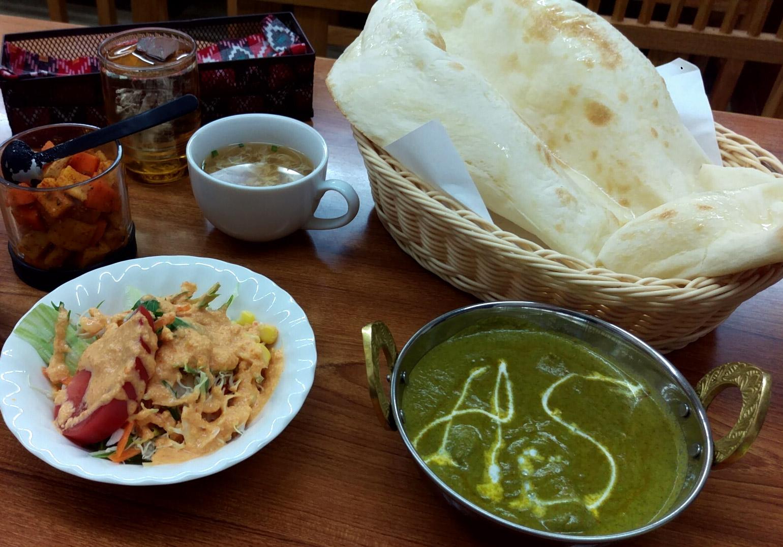 日替わりカレーランチセット(Sag Chicken:ほうれん草チキン)@Siva Parvatiさん