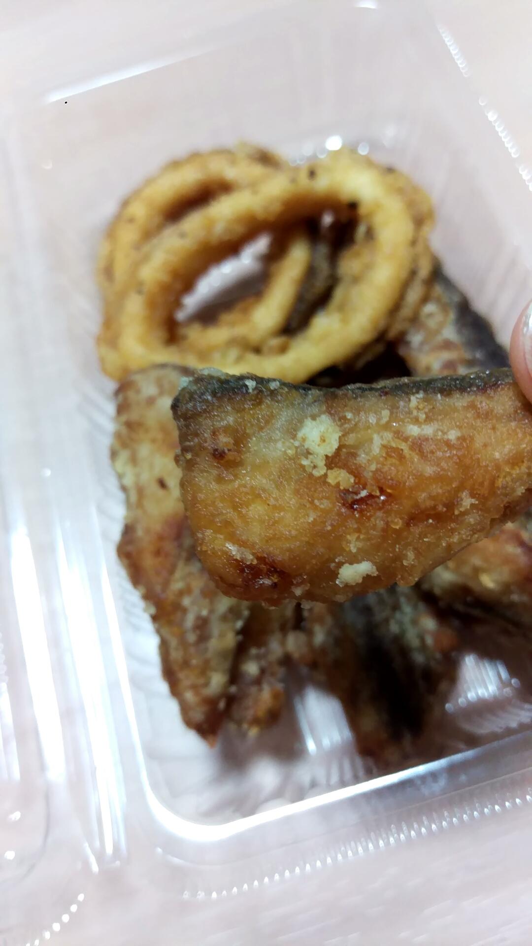 この鯖の唐揚げも、旨味が凝縮されていて実に美味